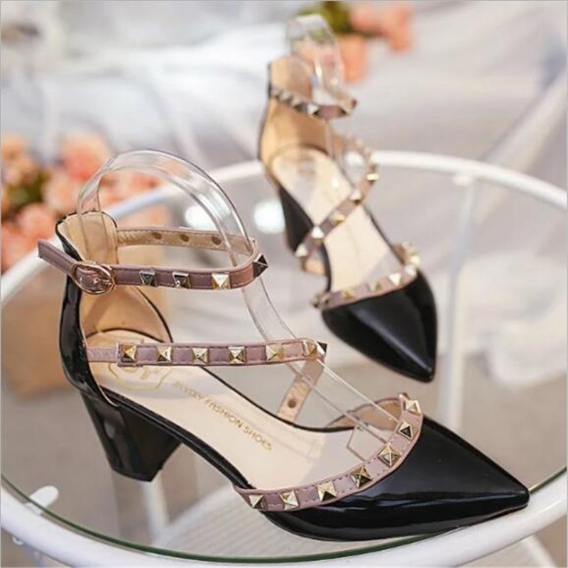 2019 New Baotou Sexy Elegant Female Sandals Korean Fashion Rivet Pointed High Heels Sexy Shallow Mouth Hollow Women's Shoes