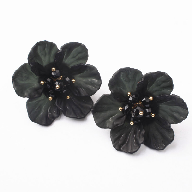 ZCHLGR New Fairy White Transparent Flower Earrings Personalized Elegant Earring All match Brief Stud Earrings Female in Stud Earrings from Jewelry Accessories