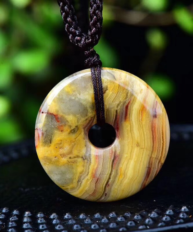 Natural Cherry agateSTONE carving Peace buckle Guardian Necklace Fashion Jewelry pendant Supernatural Amulet Knot Lucky image