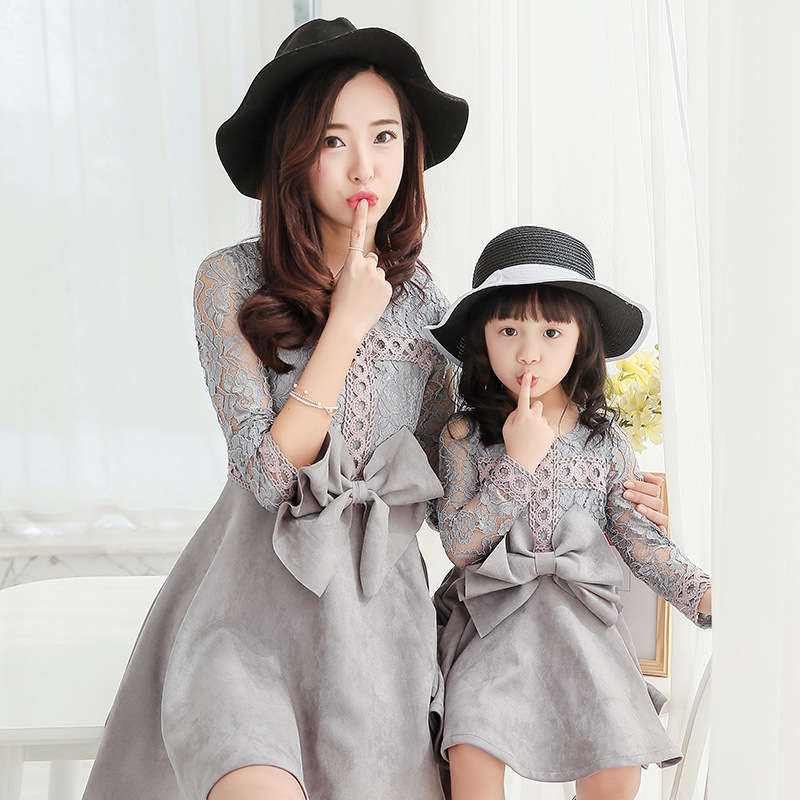 Mommy and Me Mother Daughter Dresses Wedding Elegant Clothes Autumn 2017 Suede Lace Women Kids Dress with Big Bow Mom Baby Sets children clothing mother and daughter dress xl xxxl lady women infant kids mom girls dress with dancing rabbit beautiful skirt