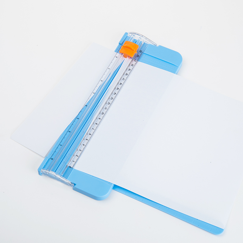 JIANWU 1pc  Creative And Practical Mini Paper Cutter Simplified Paper Cutter Office Supplies