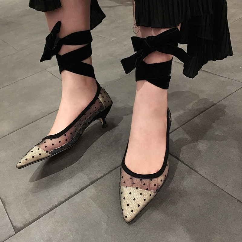 2018 European and American new sexy hollow little gauze short heel shoes cross straps asakuchi pointed heel shoes 2017the mostfashion trends european and american brands genuine flowers ladies luxury short shoes club sexy women s shoes