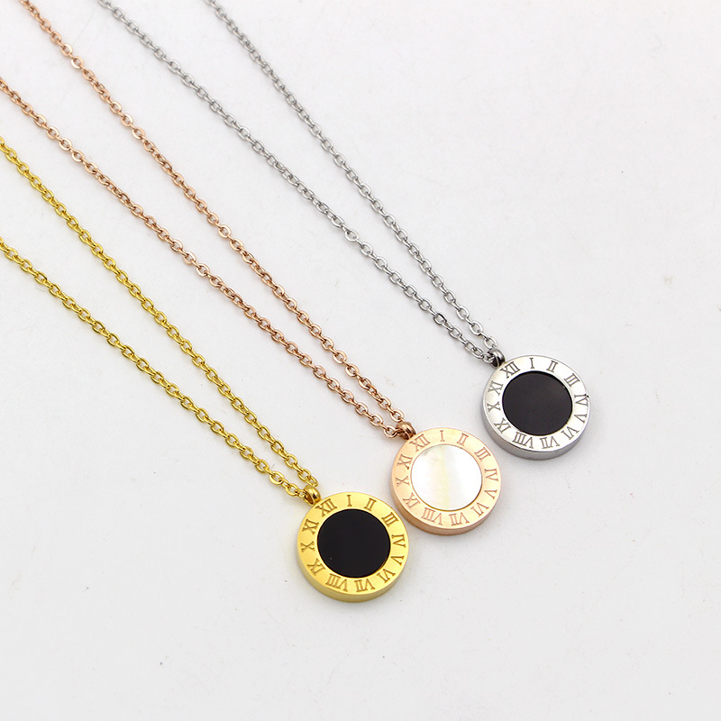 New Roman Letters And BV Two-sided Shell Pendant Necklace Woman Fashion Jewelry Design Stainless Steel Rose Gold Necklace