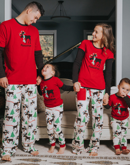 Family Matching Outfits 2017 Autumn/Winter Christmas Pajamas Cute Deer Children Clothing Kid Tops+Pants Family Clothes