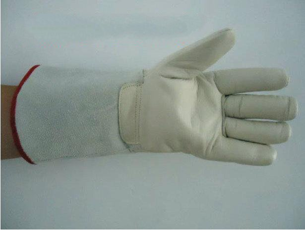 ФОТО Liquid nitrogen, liquid ammonia antifreeze leather gloves LNG filling stations low temperature ice cold water cold