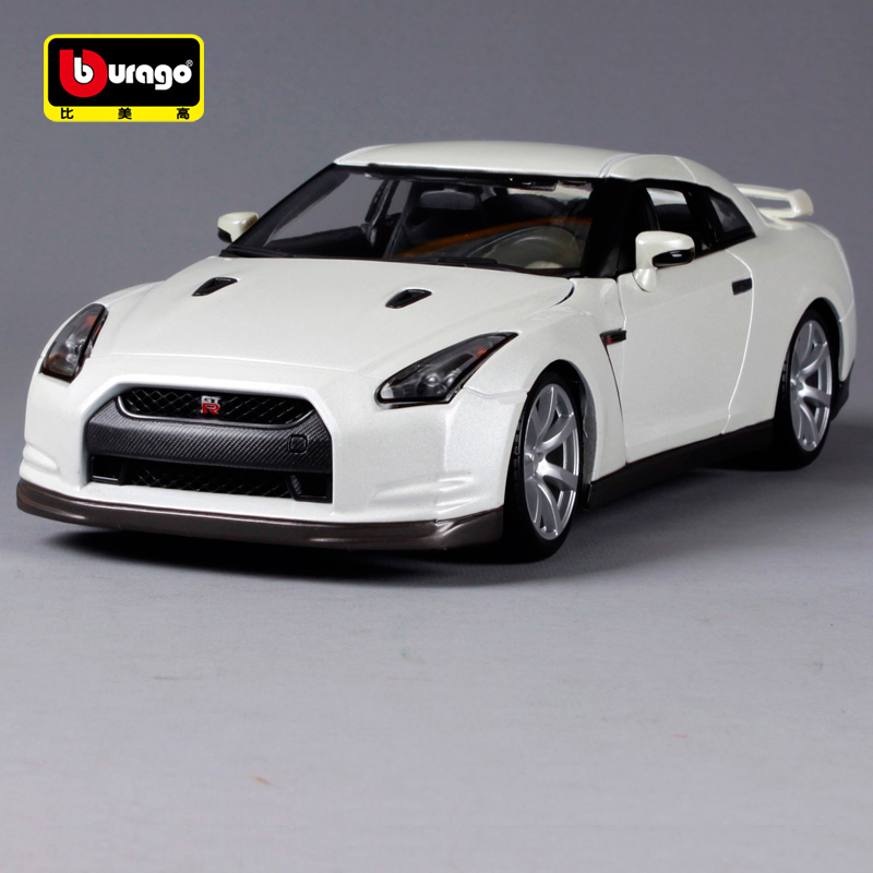 Bburago <font><b>1:18</b></font> Alloy Sport <font><b>Car</b></font> <font><b>Diecast</b></font> Model <font><b>Car</b></font> For <font><b>Nissan</b></font> Gtr With Steering Wheel Control Front Wheel Steering With Original Box image