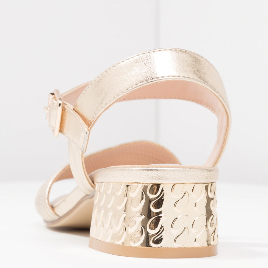 Show it 2019 New Summer women basic Sandals shoes women Square heel Sandalias Buckle Sandals High Heels Strap Sandals in Middle Heels from Shoes