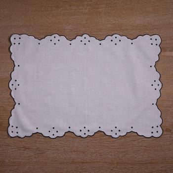 N005 4 sztuk zestaw ramie bawełna podkładki z ręcznie haft kropki i zapiekanka krawędzi tanie i dobre opinie 46cm x 30cm NoEnName_Null Haftowane HANDMADE Domu Restauracja CLASSIC 45 cotton 55 ramie Inne