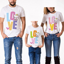 цена на Family Look Matching Clothes Short sleeve Outfits Father Mother Daughter Son Tshirt Clothing Love Print Daddy Mommy And Me Tees