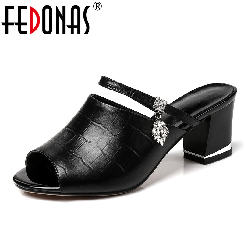 FEDONAS 2018 Brand Designer Women Genuine Leather Shoes Woman Rhinestone Sandals Slippers Casual High Heeled Flip Flops Sandals fedonas brand women summer gladiator low heeled sandals fashion comfort slippers genuine leather elegant shoes woman sandals