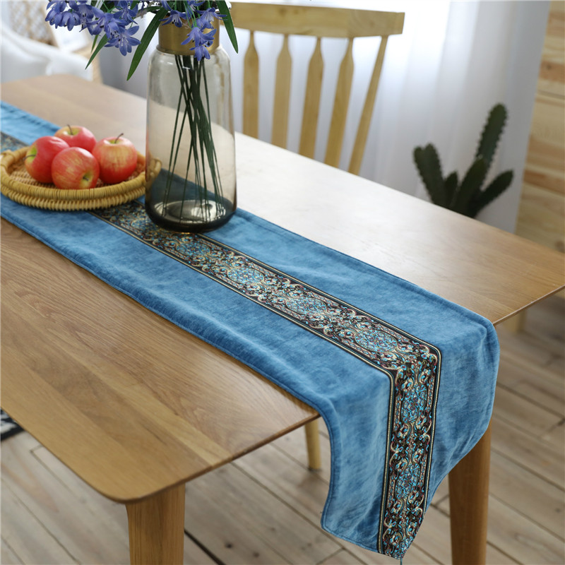 European Vintage Luxury Embroidery Table Runner Tassel Flag Modern Thick Cover for Wedding Party Banquet Home Decoration