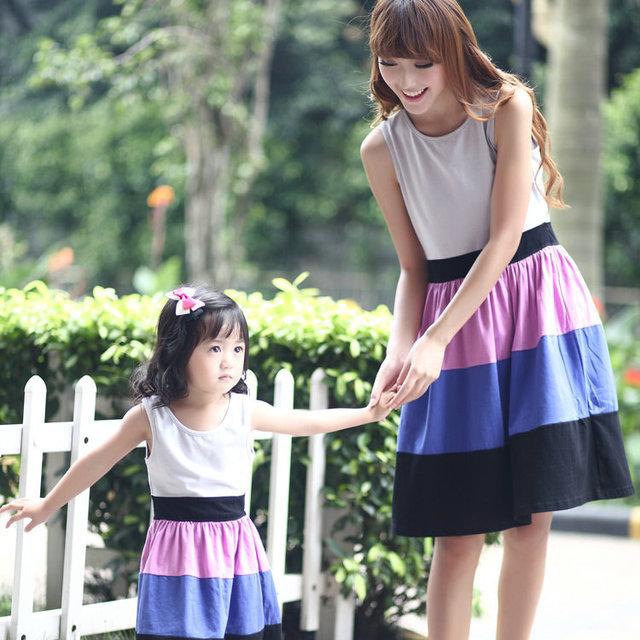 Caliente venta ropa de la familia establece madre e hija ropa niños ropa establece roupas de criança roupas para meninos vestido de la playa
