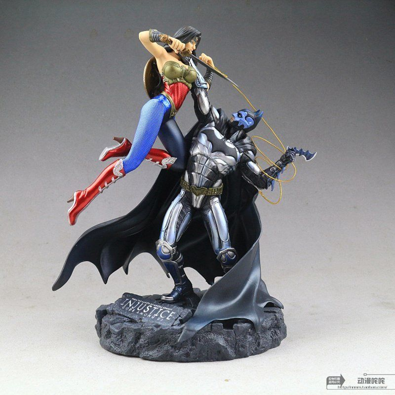 Injustice Gods Among Us Batman Vs Wonder Woman Pvc Statue New-In Action  Toy Figures -1763