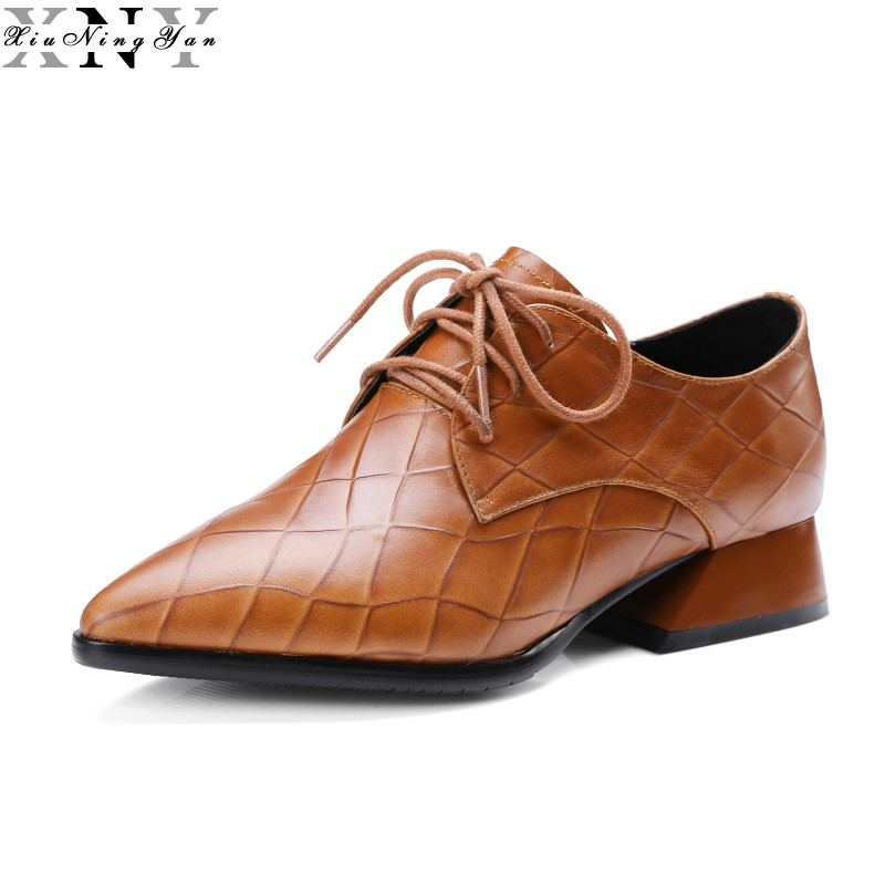 XIUNINGYAN British Style Women Pointed Toe Flat Shoes Dress Genuine Leather Oxfords Lace Up Shoes for Woman Flats Brogue Shoes 33 45 size women genuine leather oxford shoes fashion round toe lace up flat ladies england style brogue oxfords for women d005