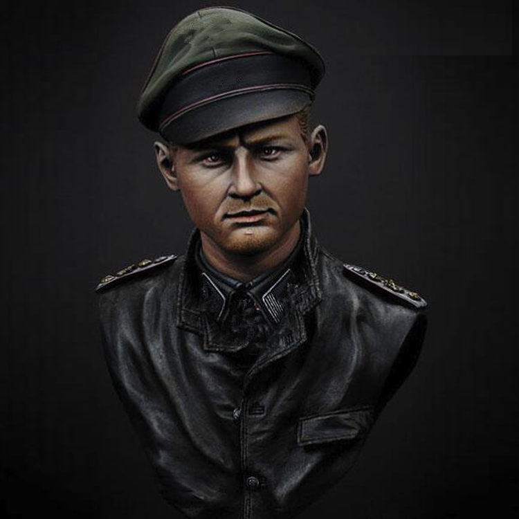 1/9 Resin bust model kit officer (double-heand) unpainted  and unassembled XX210D1/9 Resin bust model kit officer (double-heand) unpainted  and unassembled XX210D