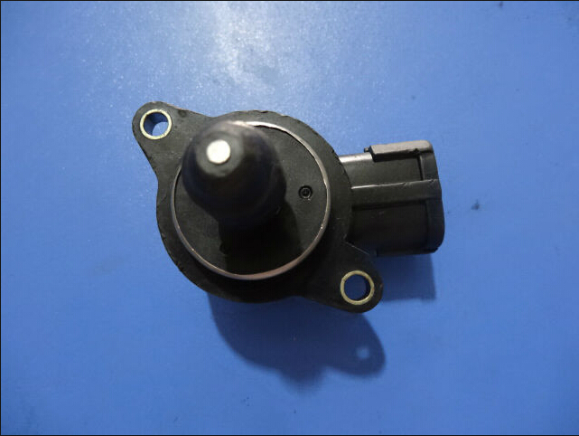 Free Shipping High Quality Idle  N16 23781-4M500 237814M500 23781-4M50A  Idle Air Control Valve For Nissan