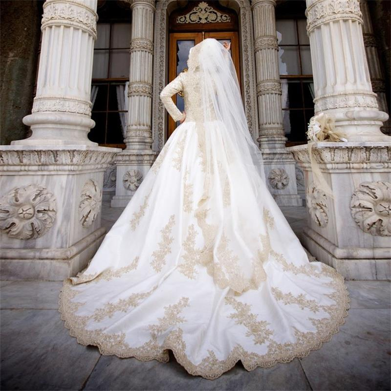 2015 Vintage High Neck Hijab Muslim Wedding Dress With Gold Lace ...
