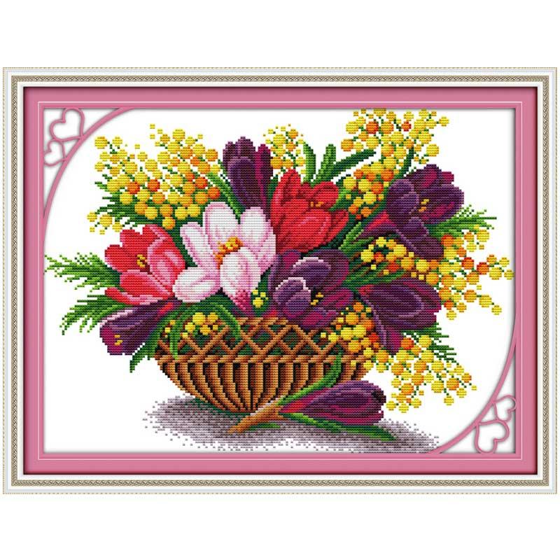 Вышивка цветка магнолии