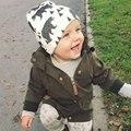 Розничная и Оптовая торговля 2017 Новый стиль красивая звезда бутылки письма детские hat шарф хлопка младенческой шляпы детский шапки шарф ребенка caps