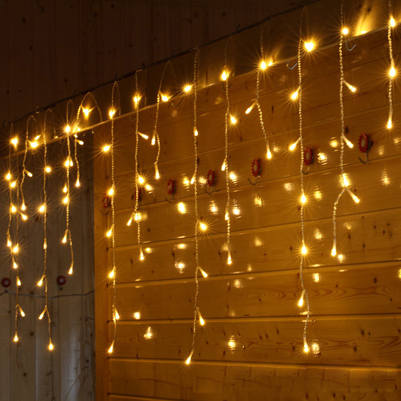 SVELTA 6M LED Garland Icicle Jul Curtain Lights Festoon Fairy Lights - Ferie belysning