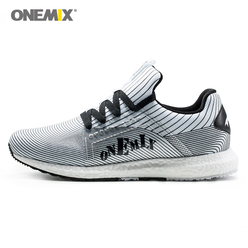 2018 Man Running Shoes Men Sports Shoe Light Soft White Retro Classic Athletic Trainers Tennis Outdoor Trail Walking Sneakers onemix man running shoes for men athletic trainers black white zapatillas sports shoe outdoor walking sneakers free shipping