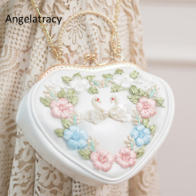 Angelatracy New Heart Shape Bag Vit Swan Broderi Handväska Japan Lolita Flowers Purse Mini Shopping Bag PU Chain Shoulder Bag