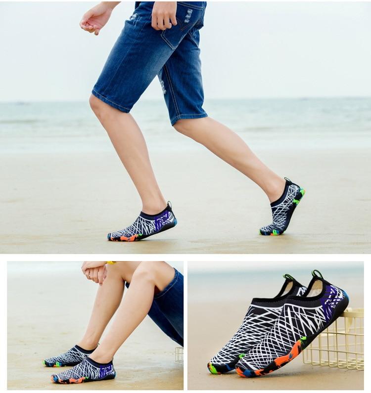 para sapatos de natação das mulheres dos