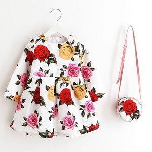 Image 5 - Sukienka z długim rękawem sukienka świąteczna dla dziewczynki 2019 jesienno zimowa sukienka z kwiatowym nadrukiem maluch sukienki dla dziewczynek ubrania dla dzieci sukienka dla dzieci z torbą