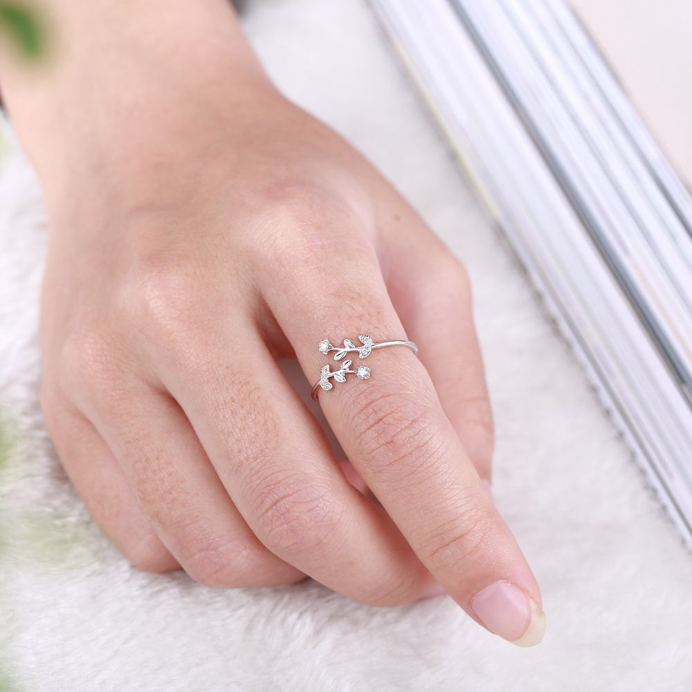 Sweet Solid 10K White Gold Women Diamonds Engagement Ring Flower ...