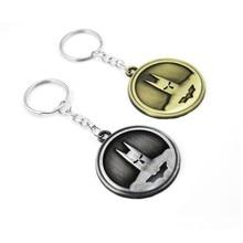 Pop Creative Custom Batman Keychain Men Super Hero Anime Key Chain Metal Car Game Ring Banner Holder Round Gift Souveni