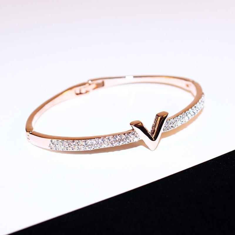 V Letter Bracelet 3
