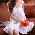 Мода летом 100% хлопок королевская принцесса сексуальный белый спагетти ремень ночной рубашке женщина качество Большой размер пижамы гостиной