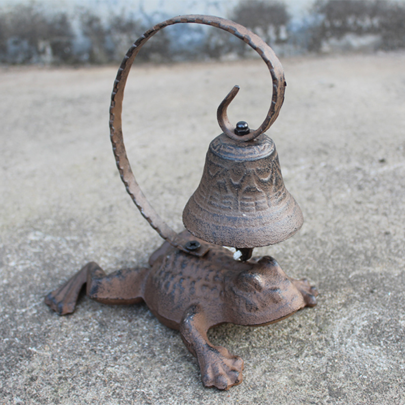 Vintage Tabletop Decor Cast Iron Frog Figure Dinner Service Calling Bell Hand Cranking Bell
