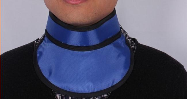"""צווארון מגן קרני רנטגן 0.35 מ""""מ פייט, צווארון הגנה מפני קרינה, הגנה מפני בלוטת התריס, הגנת צוואר."""