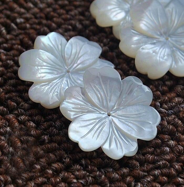 30 มิลลิเมตรแกะสลักสีขาวดอกไม้เสน่ห์ลูกปัดเจาะศูนย์ 1 มิลลิเมตรรูเจาะเครื่องประดับทำผล DIY Stuffs-ใน ลูกปัด จาก อัญมณีและเครื่องประดับ บน   2