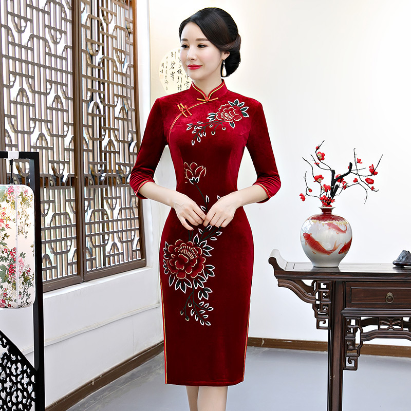 Sexy Summer Knee Length Cheongsam 2018 Vintage Chinese style Dress Fashion Womens Velour Qipao Slim Party Dresses Button Vestido