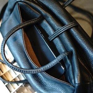 Image 2 - AETOO シンプルで実用的なレトロなドクターバッグ牛革ショルダーライト斜めクロスバッグポータブル通勤革カジュアルな女性のバッグ