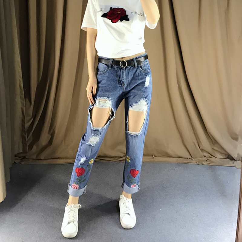 Flower embroidery ripped jeans female High waist Roses zipper straight denim pants jeans Women 2017 pocket blue trousers jeans flower embroidery jeans female blue casual pants capris 2017 spring summer pockets straight jeans women bottom a46