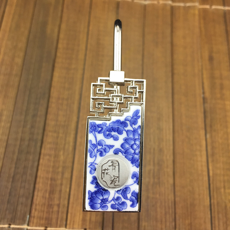 Elegant Blue and white Porcelain Bookmark Retro Chinese Fancy Bookmarks with Gift Box Creative Business Office Teacher Gift