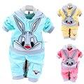 Nuevos 2017 Resorte Del Bebé Juegos de Ropa de Terciopelo de Conejo de Dibujos Animados Con Capucha + Pantalones Twinset de Manga Larga de Terciopelo Bebé Ropa de Bebé Vestidos