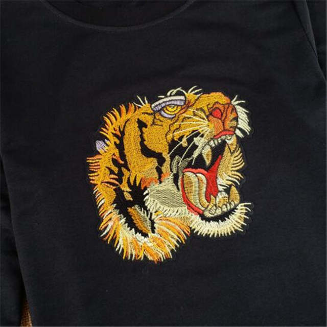 LINRAOQIAN high quality Embroidery Tiger Head T Shirt Women Tops Autumn  Long Sleeve Tshirt Women Cotton 22ede349d117