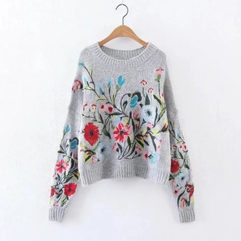 [GUTU] 2017 Korean Autumn winter fashion new solid color round collar full sleeve loose embroidered sweater women V74702