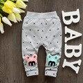 2016 nueva Primavera de algodón polainas del bebé pantalones de las muchachas con carta de alta calidad de las bragas bebé A109