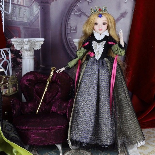 TAROT CARD Major Arcana The emperor joint body doll white skin with crown golden blonde hair 34cm east barbi 2