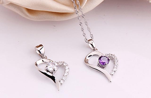Simple Fashion Heart Shaped Rhinestone Pendant & Chain Necklace