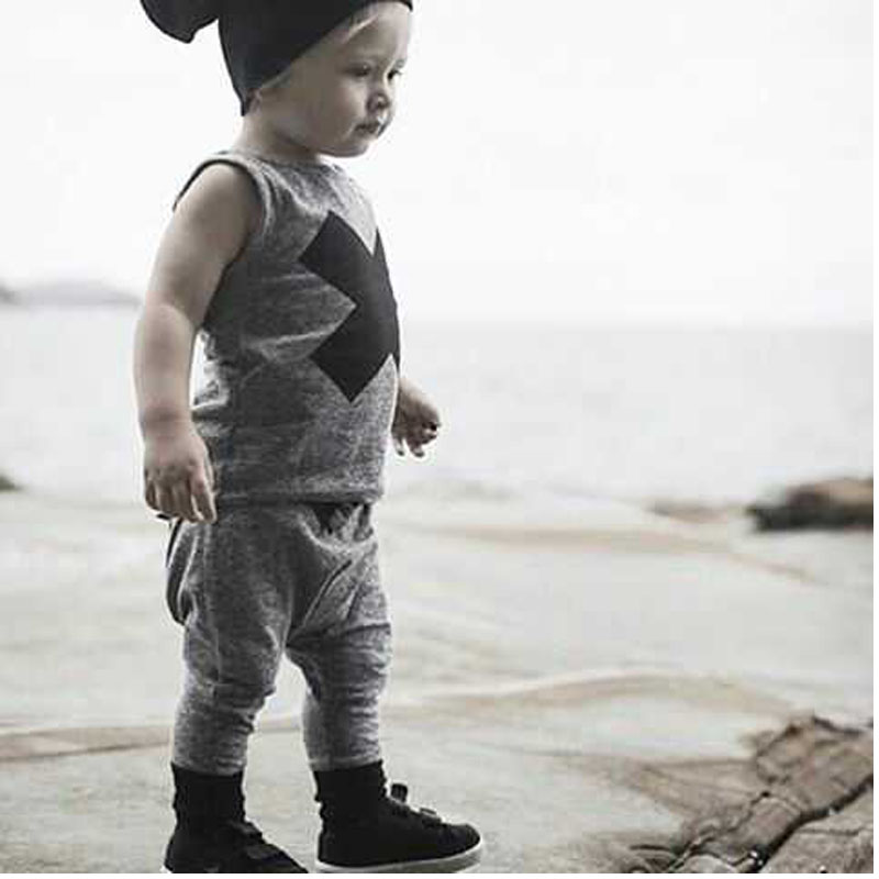 2017 Fashion Style  Baby Boys Clothing Sets Boys Clothes Sleeveless  Letter T-shirt+ XX pants 2pcs suit Children Suit fashion baby clothing sets2016autumn baby boys clothes long sleeve letter t shirt pants hats 3pcs cotton suits children clothing