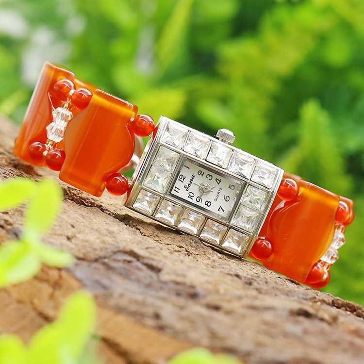 2019 nouvelle Promotion excellente montre pour femme Bracelet en Agate rouge cristal avec Table en diamant pour accessoires de fête à cadran carré