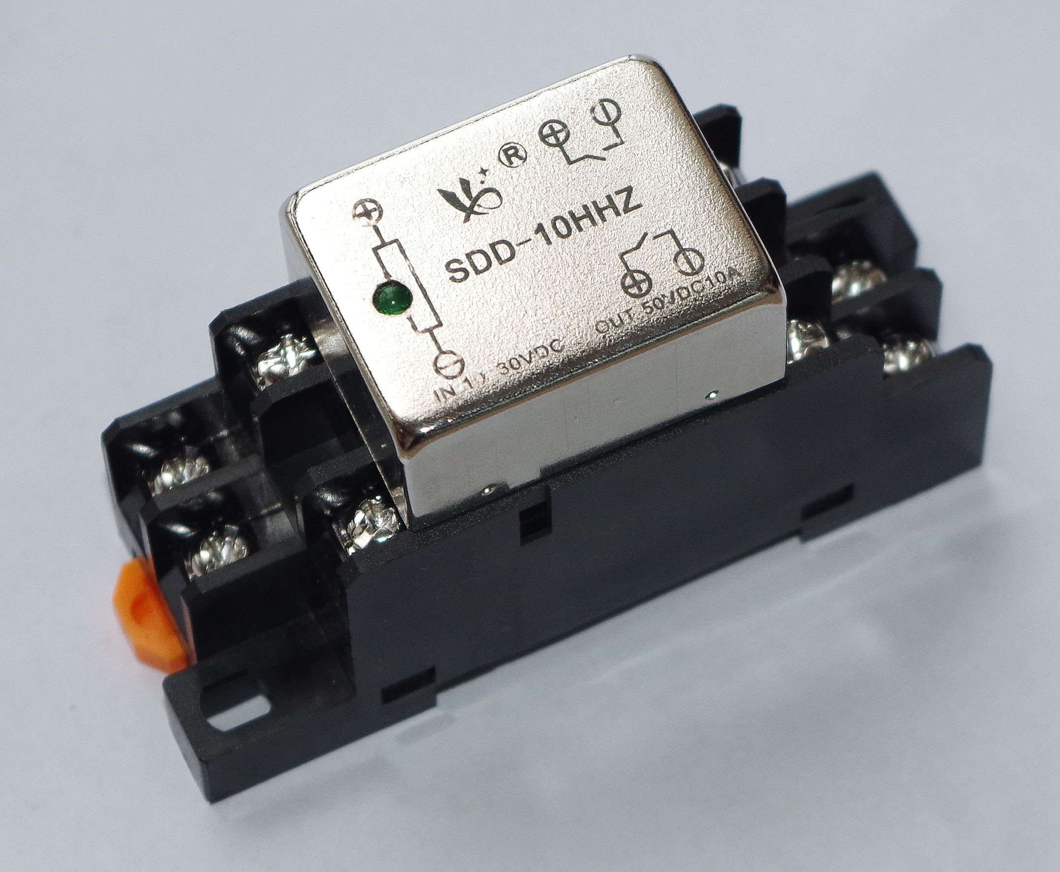 Mini 10A AC Solid State Relay Sockect Type With  Indicator  Sign Light SSR Switch SDD-10HHZ Rail InstallationMini 10A AC Solid State Relay Sockect Type With  Indicator  Sign Light SSR Switch SDD-10HHZ Rail Installation