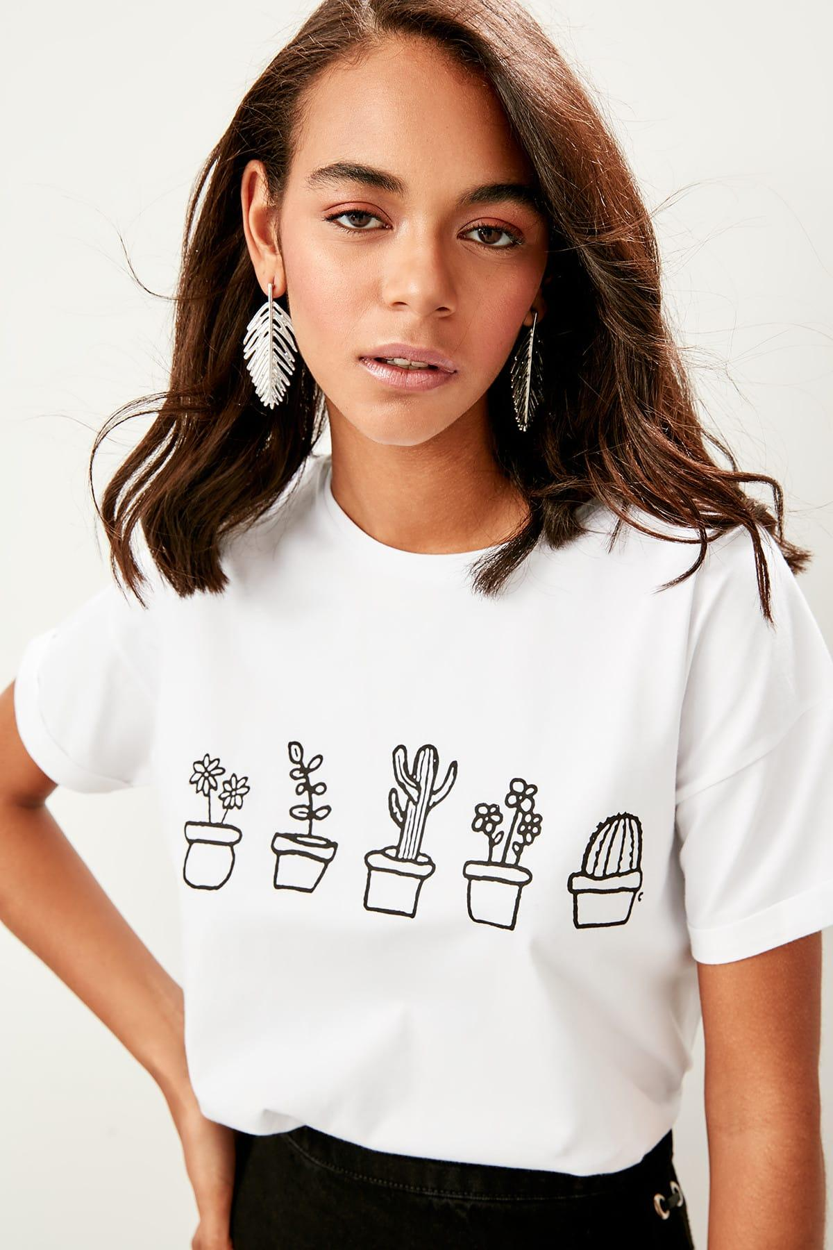Trendyol White Printed Basic Knitted T-Shirts TWOSS19TS0069