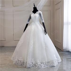 Image 4 - Женское свадебное платье с длинным шлейфом, кружевное бальное платье с аппликацией и V образным вырезом, с коротким рукавом, винтажное платье принцессы для невесты